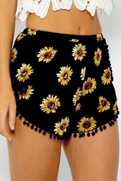 Chrysanthemum Print Trimmed Buttom Fringed Shorts